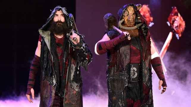 WWE сняли трех исполнителей из Королевской Битвы; Хорошие вести о состоянии Роуэна и Харпера