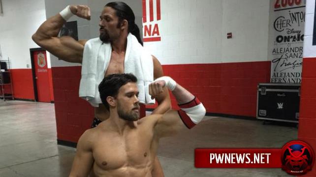 Команда гомосексуалистов теперь в WWE ?