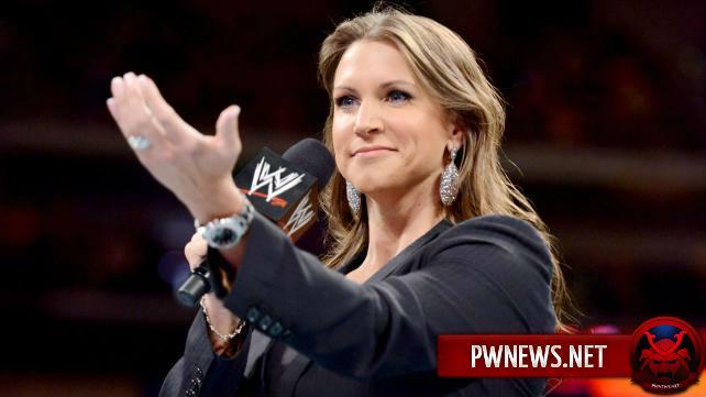 Стефани МакМэн бросает вызов вселенной WWE