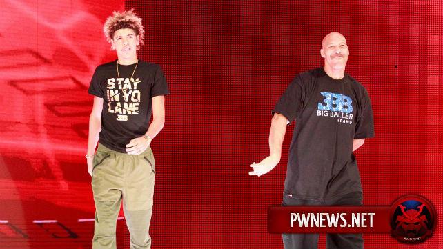 WWE прокомментировали расистское оскорбление, сказанное во время Raw