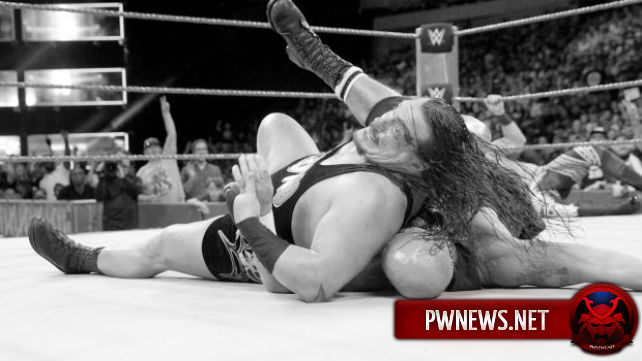 Райно наложили 8 швов после SmackDown