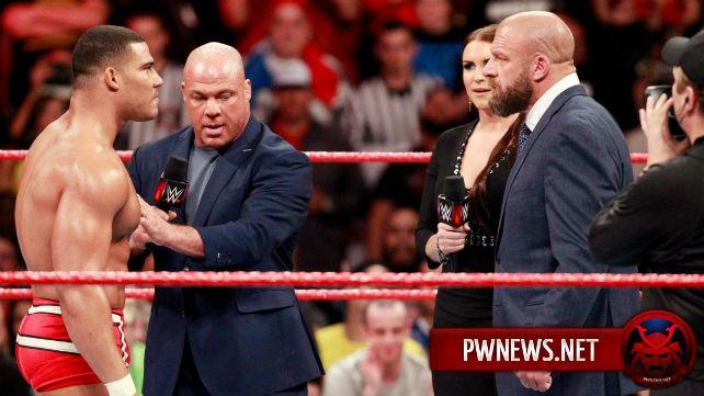 Трипл Эйч и Курт Энгл, как сообщается, выступали на Survivor Series с травмами