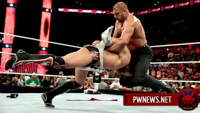 Является ли закулисная политика все ещё большой проблемой в WWE?