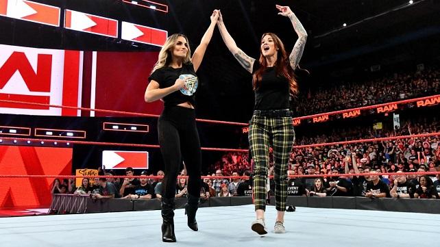 WWE имеют планы на будущее Триш Стратус и Литы как команды