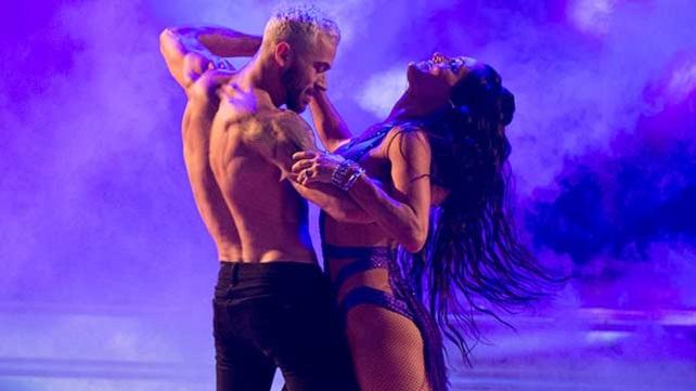 Никки Белла встречается с танцором родом из России