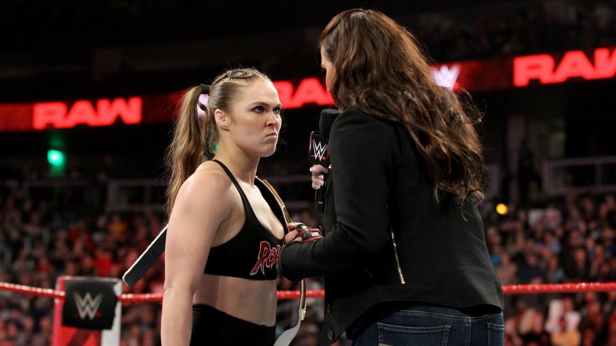 Ронда Раузи назвала рестлинг постановкой и матом послала WWE и зрителей
