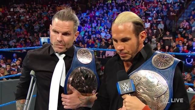WWE по-прежнему не определились с планами на командное чемпионство SmackDown